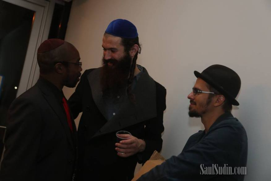 "Chilling with Shlomo Gaisin of Zusha and Eden ""Eprhyme"" Pearlstein. (Photo © Saul Sudin)"